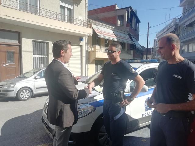 Ο Δήμαρχος Νάουσας  παρέστη σε διαδικασία αστυνομικού ελέγχου παράνομης στάθμευσης σε χώρο θέσεων ΑμεΑ