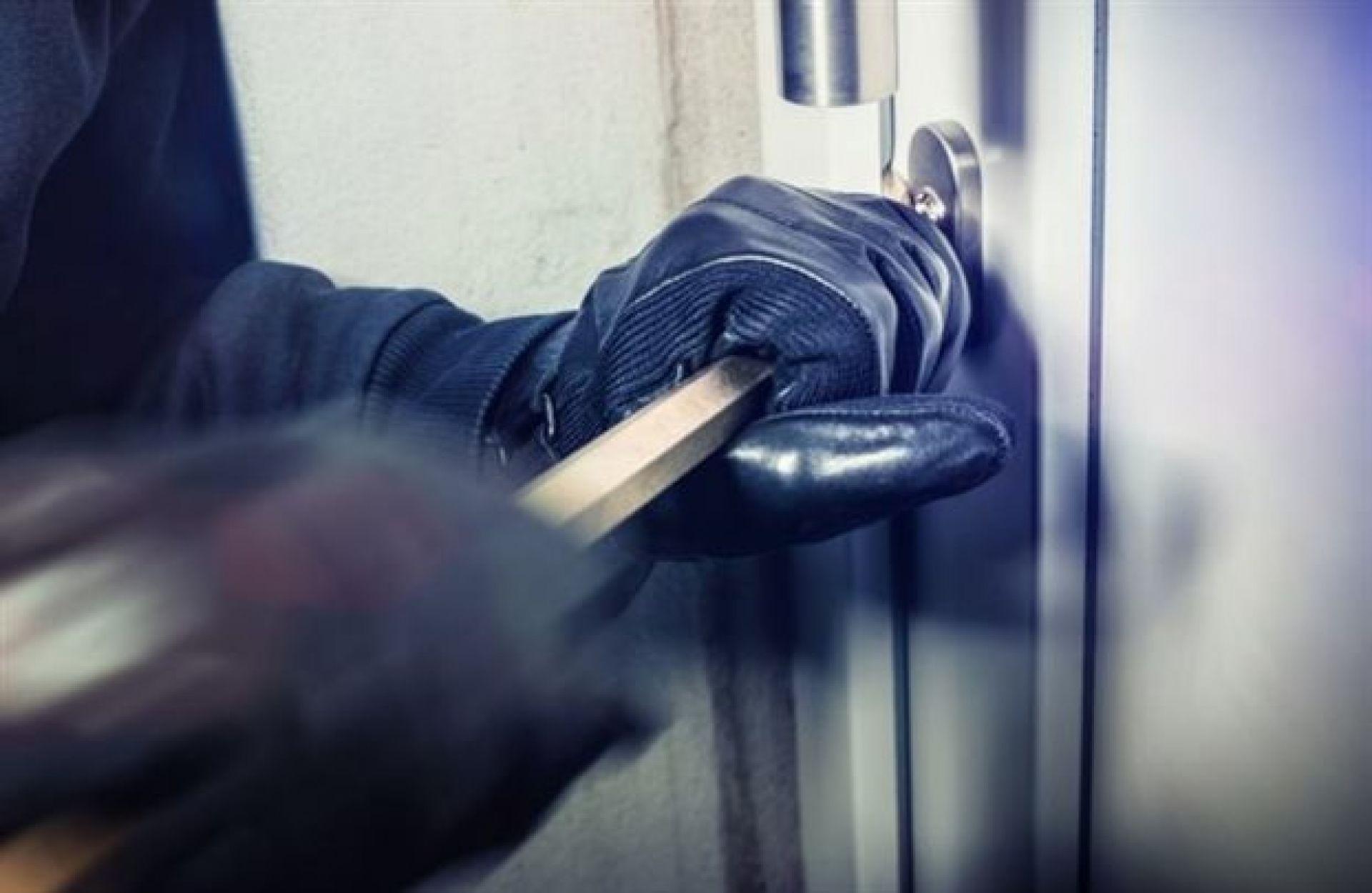 Εξιχνιάστηκε η ληστεία εναντίον 65χρονου στην Αλεξάνδρεια την ώρα που κοιμόταν!